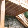 Terrasse suspendue en mélèze