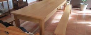 Table de ferme et bancs en chêne