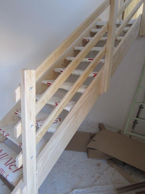 escalier en pin cool tournant rampe fuseaux pin with escalier en pin awesome gardecorps en. Black Bedroom Furniture Sets. Home Design Ideas